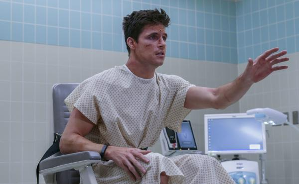 In the Amazon Prime series Upload, Nathan Brown (Robbie Amell) has died in a freak accident and his wealthy girlfriend has paid to have his memories and personality uploaded into a lookalike avatar.