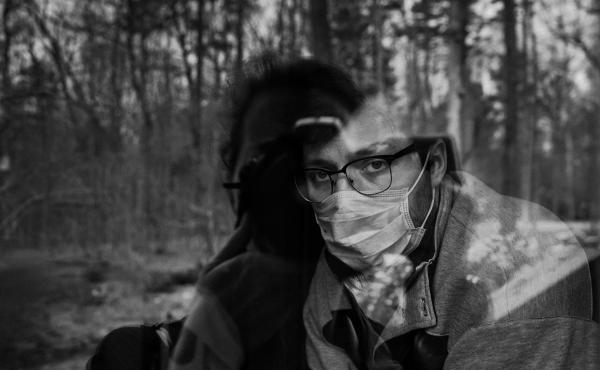 Kasia: Pete had just got his test results: positive for COVID-19. At the clinic, he was given just one mask. He was so scared of infecting me and his parents, that he insisted on wearing it to talk, even though we were separated by a window.