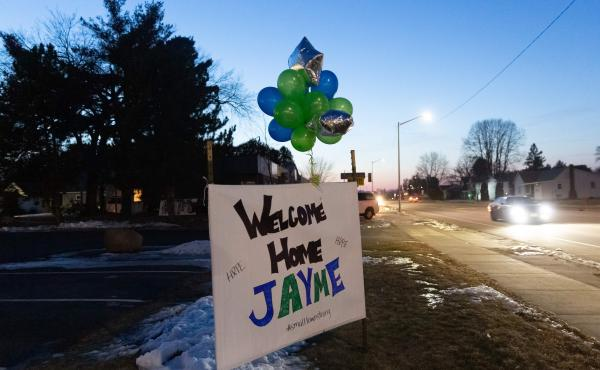 """A """"Welcome Home"""" sign on Jan. 11 in northern Wisconsin, one day after missing 13-year-old Jayme Closs came out of the woods."""