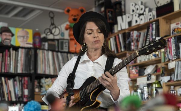 Jesca Hoops plays a Tiny Desk Concert (Kisha Ravi/NPR).
