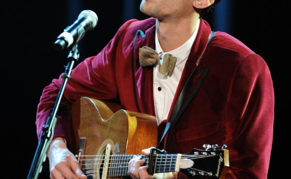 Justin Townes Earle, seen here performing at the 8th annual Americana Honors and Awards in 2009, has died.