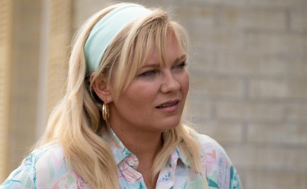 Kirsten Dunst is excellent in the Showtime series On Becoming A God In Central Florida, playing struggling mom Krystal Stubbs.