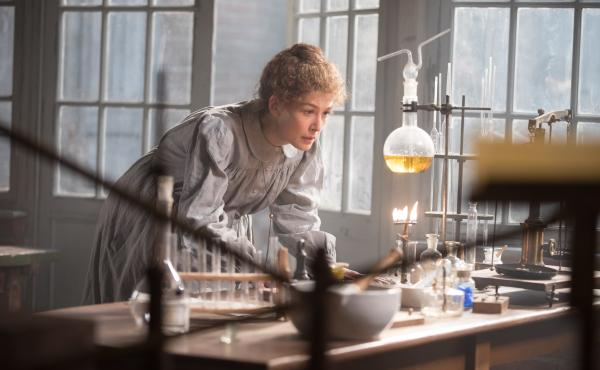 Rosamund Pike plays Marie Curie in the new Amazon Studios biopic Radioactive.