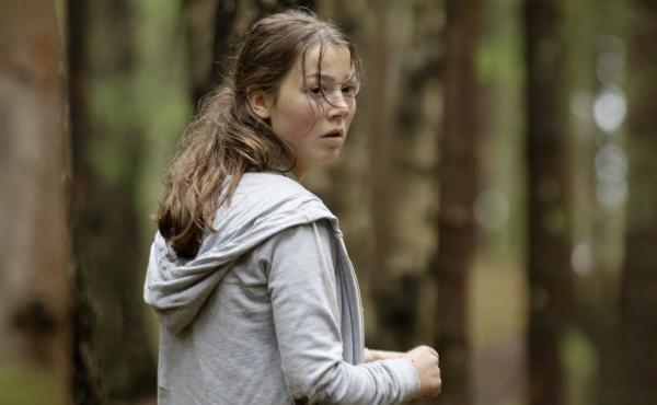 Andrea Berntzen, the film's lead actress, spent time with survivors of the attack to prepare for her role as 19-year-old Kaja.