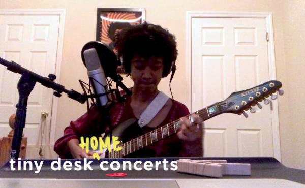 Melanie Faye plays a Tiny Desk (home) concert.