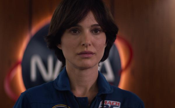 Natalie Portman plays an astronaut whose life begins to come undone following her spaceflight in Lucy in the Sky.