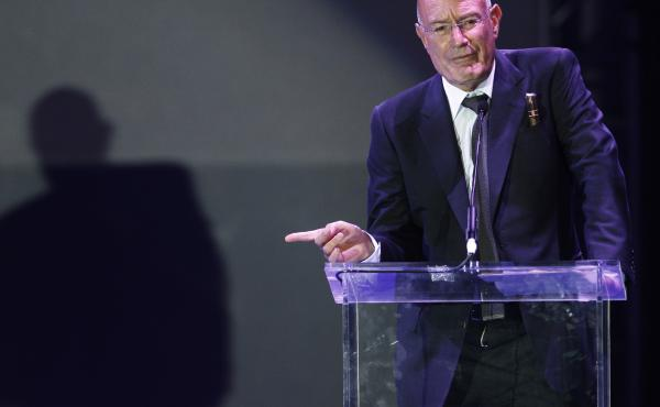Movie producer Arnon Milchan accepts the Legacy of Citizens Lifetime Achievement award at an event celebrating the 60th anniversary of the state of Israel in Los Angeles on Sept. 18, 2008.