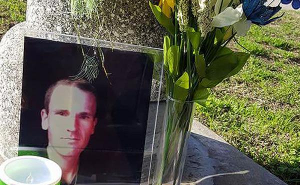 """A memorial for John Berry, who was shot and killed by Los Angeles sheriff's deputies in 2015. """"I've known my brother long enough he didn't mean to hurt anybody,"""" said his brother Chris Berry. """"He was terrified."""""""