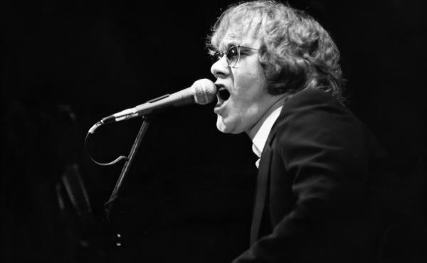 Warren Zevon in concert circa 1978 in New York City.