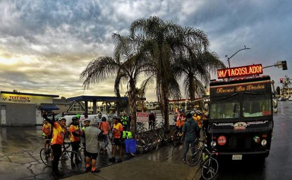 The Eastside Bicycle Club on a 35 mile Saturday evening ride with stops for tacos.