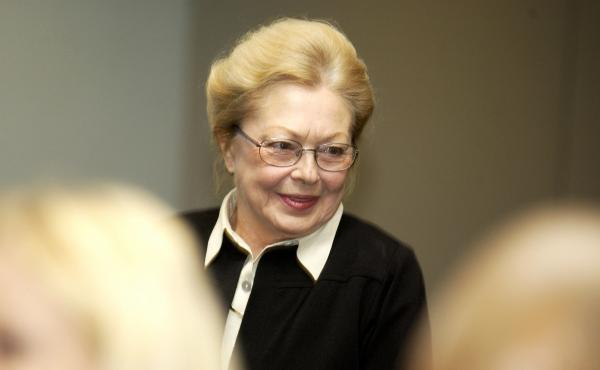 Dr. Mathilde Krim at the World AIDS Day Symposium presented by the Foundation For AIDS Research and the Columbia University Mailman School of Public Health in 2002. Krim had a knack for helping people talk about HIV/AIDS rationally, colleagues say.