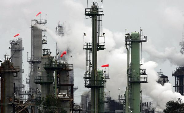 Chevron's El Segundo Refinery is just one of many in the Los Angeles area that must stock up on workers during fast turnaround projects.