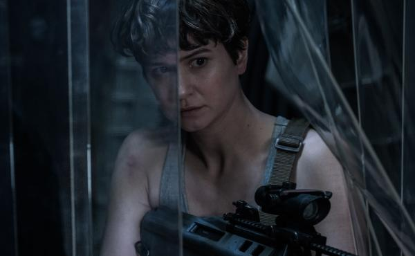 Katherine Waterston as Daniels in Alien: Covenant.