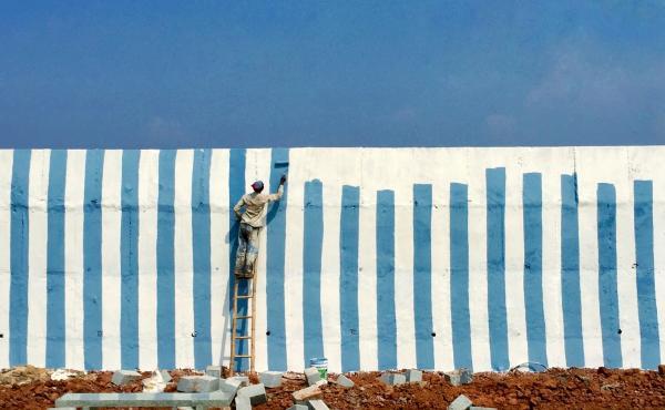 """""""No Walls."""" India"""