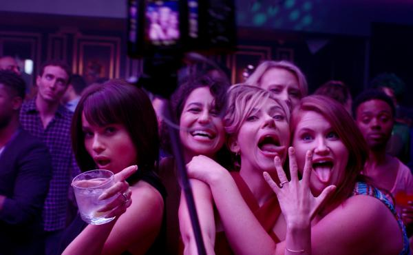 (L to R) Blair (Zoe Kravitz), Frankie (Illana Grazer), Jess (Scarlett Johansson), Pippa (Kate McKinnon) and Alice (Jillian Bell) in Rough Night.