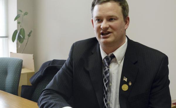 South Dakota Attorney General Jason Ravnsborg speaks in Sioux Falls, S.D., in February 2014. Ravnsborg struck and killed a pedestrian Saturday night.