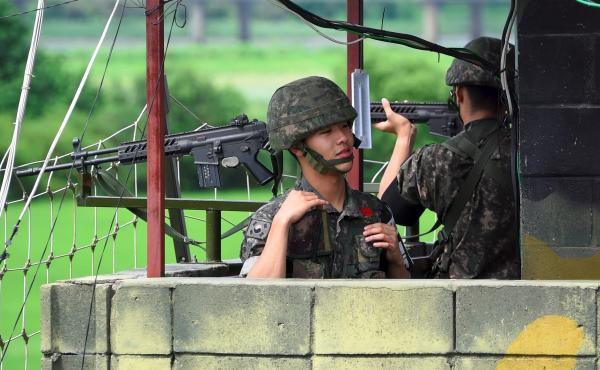 South Korean soldiers at a guard post near the Demilitarized Zone (DMZ) dividing two Koreas in the border city of Paju in August of last year.