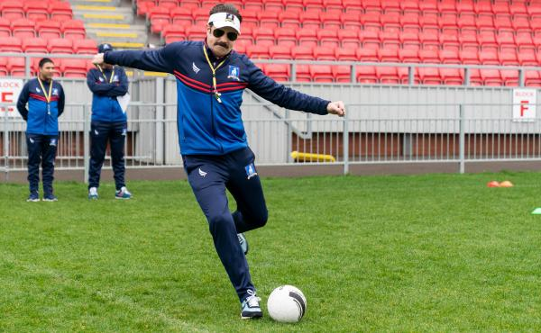 You don't necessarily see Jason Sudeikis kick a lot of soccer balls as Ted Lasso, but this week? Well, well, well.