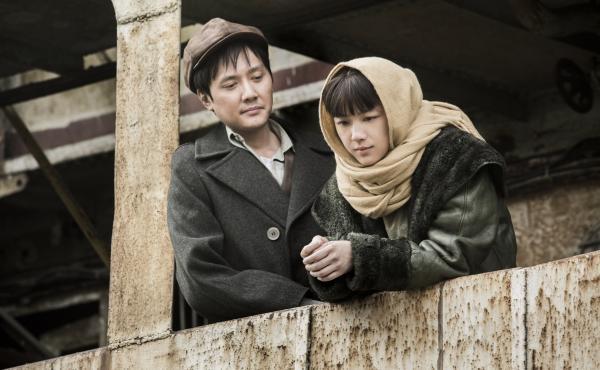 Shaofeng Feng and Wei Tang in The Golden Era.