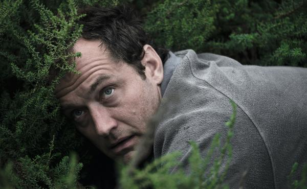 Jude Law plays a man who's in over his head in HBO's The Third Day.