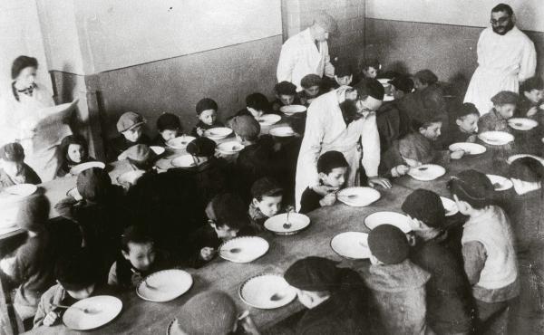 Jewish children in the Warsaw ghetto around 1940. Food was in short supply.
