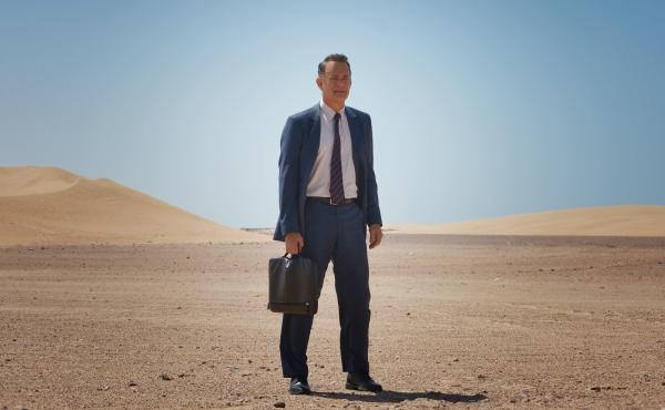 Tom Hanks plays an American businessman on an assignment in the middle of the Saudi Arabian desert in A Hologram for the King, which is based on a novel by Dave Eggers.
