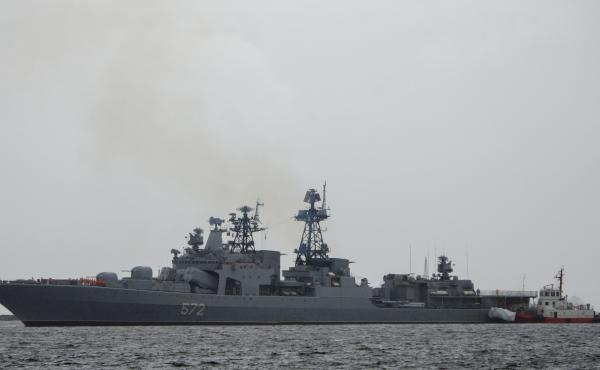 The Russian navy's Admiral Vinogradov arrives for a five-day goodwill visit at the South Harbor of Manila in June 2018. The vessel was involved in an incident Tuesday in the Sea of Japan involving the USS John S. McCain.