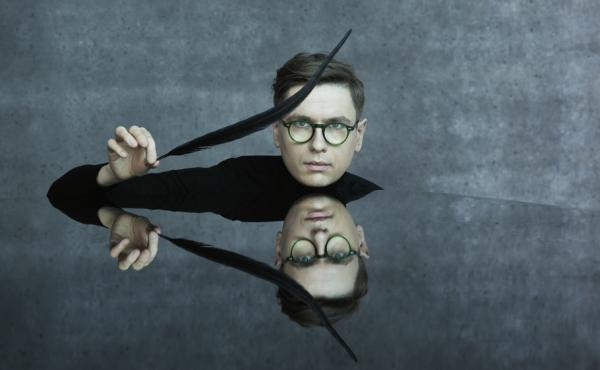Pianist Víkingur Ólafsson sets the music of Mozart amid his peers to offer a fresh take on the master composer.