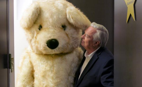 Bill Kurtis and bear.