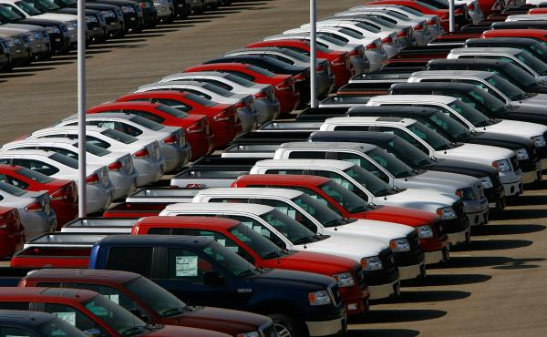 The White House is proposing changes to the Military Lending Act that critics say would leave service members vulnerable when they buy cars.