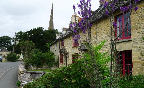 Kidlington is home to a number of 17th century cottages near its medieval church. This is the most historic part of the village, but it's not where the tourists went. Instead, tour buses dropped them off in a residential area built in the 1960s and 1970s.