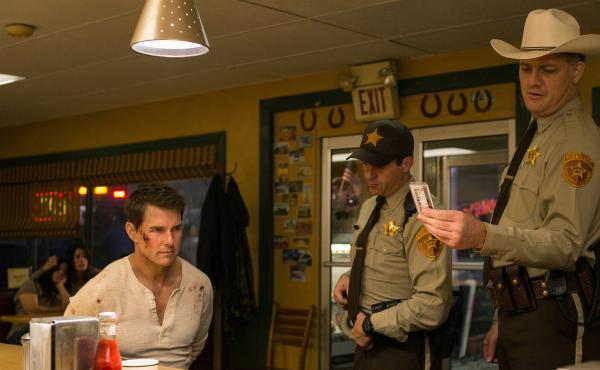 Left to right: Tom Cruise plays Jack Reacher, Judd Lormand plays Local Deputy and Jason Douglas plays Sheriff in Jack Reacher: Never Go Back.