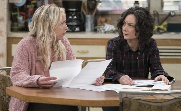 Alicia Goranson and Sara Gilbert play Becky and Darlene on ABC's The Conners.