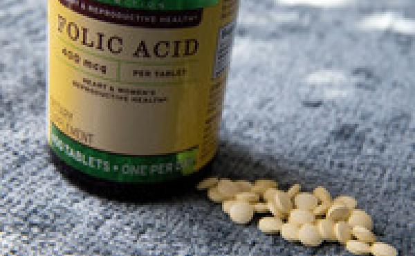 Folic acid in food might not be enough to prevent birth defects, a federal advisory panel says. Thus the recommendation for supplements.
