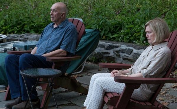 Ray (Frank Langella) and Estelle (Mary Kay Place) plan a trip in Youth in Oregon.